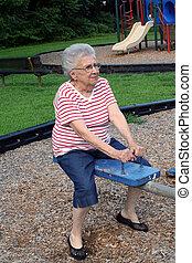 altalena, nonna