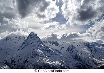 alte montagne, nubi