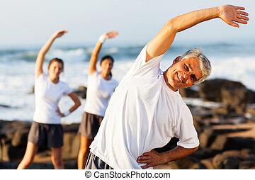 alter, mann, sandstrand, trainieren, mittler