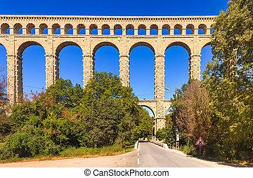 altes , aquädukt, france., historisch, roquefavour, grenzstein, provence