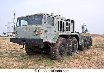 altes , armee, schwer , rakete, lastwagen, geländegängig, vehicle., gebraucht, bewegen, der, raketengeschosse, und, militaer, equipment.