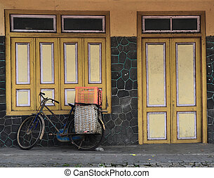 altes , fahrrad, tür