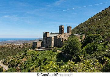 altes , kloster, gerufen, sant, pere, de, rodes, catalonia, spain.