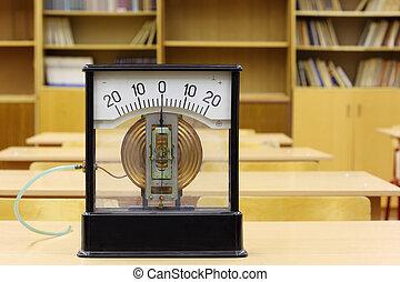 altes , manometer, von, schule, für, experimente, in, physics;, leerer , schulklassen