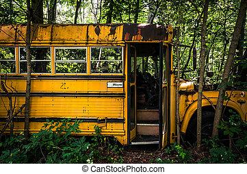 altes , rostiges , junkyard., bus, schule