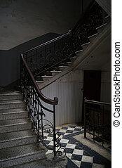 altes , tbilisi, treppenaufgang