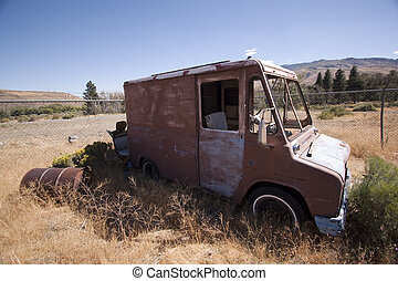altes , verlassen, weinlese, auslieferung, feld, lastwagen, kleintransport