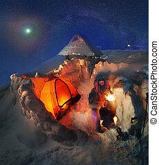 alto-altezza, campeggiare, su, il, montagna, goverla