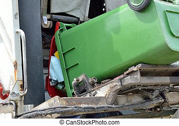 Altpapier wird eingesammelt - waste paper disposal