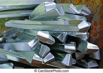 Aluminium - Wastes of metal