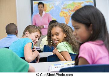 alumno, ser, intimidado, en, escuela primaria