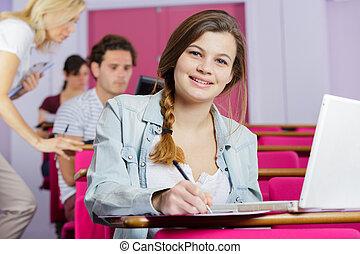aluno feminino, olhar, câmera