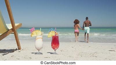 américain, africaine, premier plan, couple, prêt, nager, ...