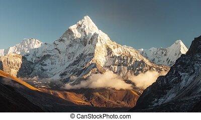 Ama Dablam. Nepal Himalaya. - Ama Dablam