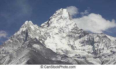 Ama Dablam timelapse, Nepal - Ama Dablam timelapse, Everest...