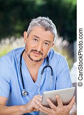 amamentação, tabuleta, digital, usando, lar, enfermeira, macho