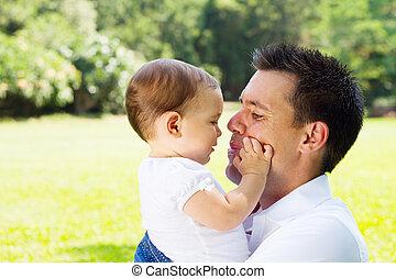 amando, pai, bebê