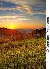 amanhecer, em, montanhas