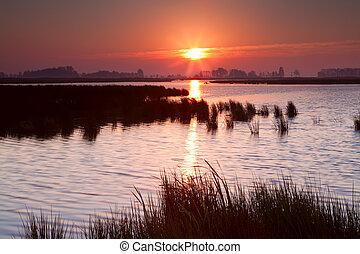 amanhecer, sobre, lago, em, groningen
