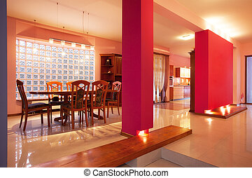 Amaranth house - Pink walls in dining room