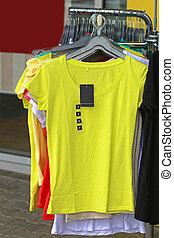 amarela, camisa t