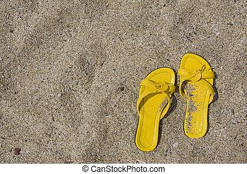 amarela, flip-flops