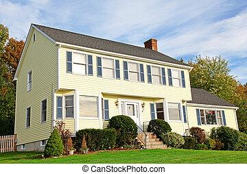 amarillo, nueva inglaterra, estilo, casa colonial