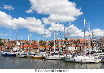 amarré, yachts, whitby