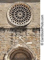 Amatrice - Rose window of the Sant'Agostino church
