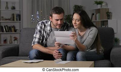 amazed, пара, receiving, хорошо, новости, на, , письмо