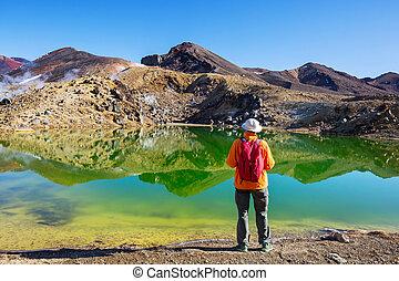 Tongariro - Amazing Emerald lakes on Tongariro Crossing ...