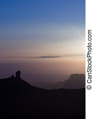 amazing sunset over Roque Nublo
