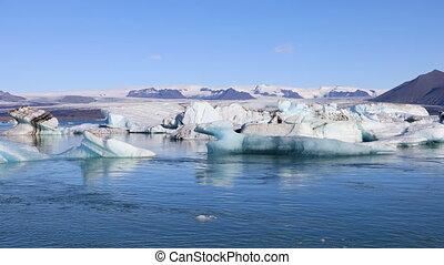 Amazing view of glacial lake Jokulsarlon, Iceland - Amazing...