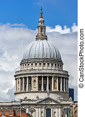 Amazing view of St. Paul Cathedral in London, England