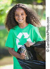 ambiental, escoger, activista, basura, sonriente, cámara, ...