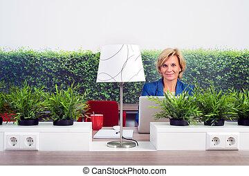 ambientalista, fiducioso, femmina, ufficio