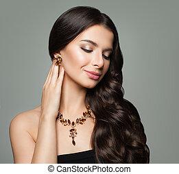 ambra, brunetta, oro, riccio, sano, trucco, capelli, collana, orecchini, ragazza, gioielleria