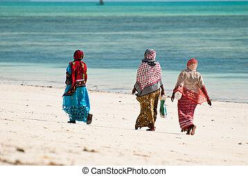 ambulante, playa, tres mujeres