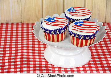 American flag cupcakes