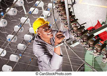 americano africano, fábrica textil, mecánico