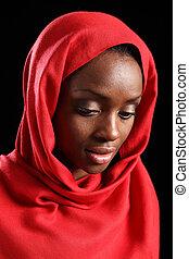 americano africano, musulmán, niña, en, hijab, look down