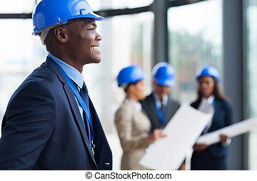 americano africano, trabalhador construção