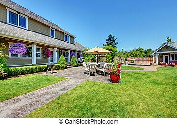 Casa fattoria portico anteriore fattoria venire for Disegni cottage portico anteriore