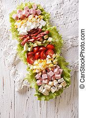 americano, salada cobb, ligado, um, prato, ligado, a, tabela., vertical, vista superior