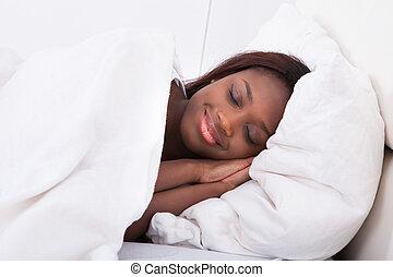 amerikanische frau, eingeschlafen, bett, afrikanisch