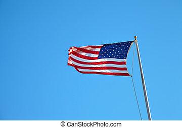 amerykańska bandera, falować, w, błękitne niebo