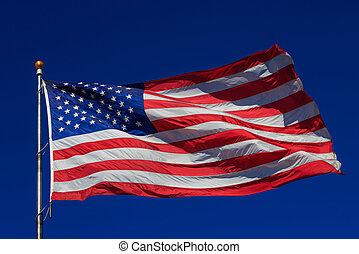 amerykańska bandera, falować, w, jasny, błękitne niebo