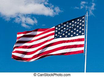 amerykańska bandera, na, błękitne niebo, tło