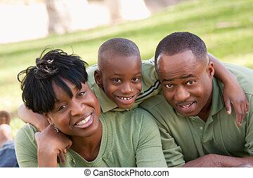 amerykanka, park, rodzina, afrykanin
