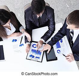 amical, equipe affaires, avoir, réunion, dans, bureau
